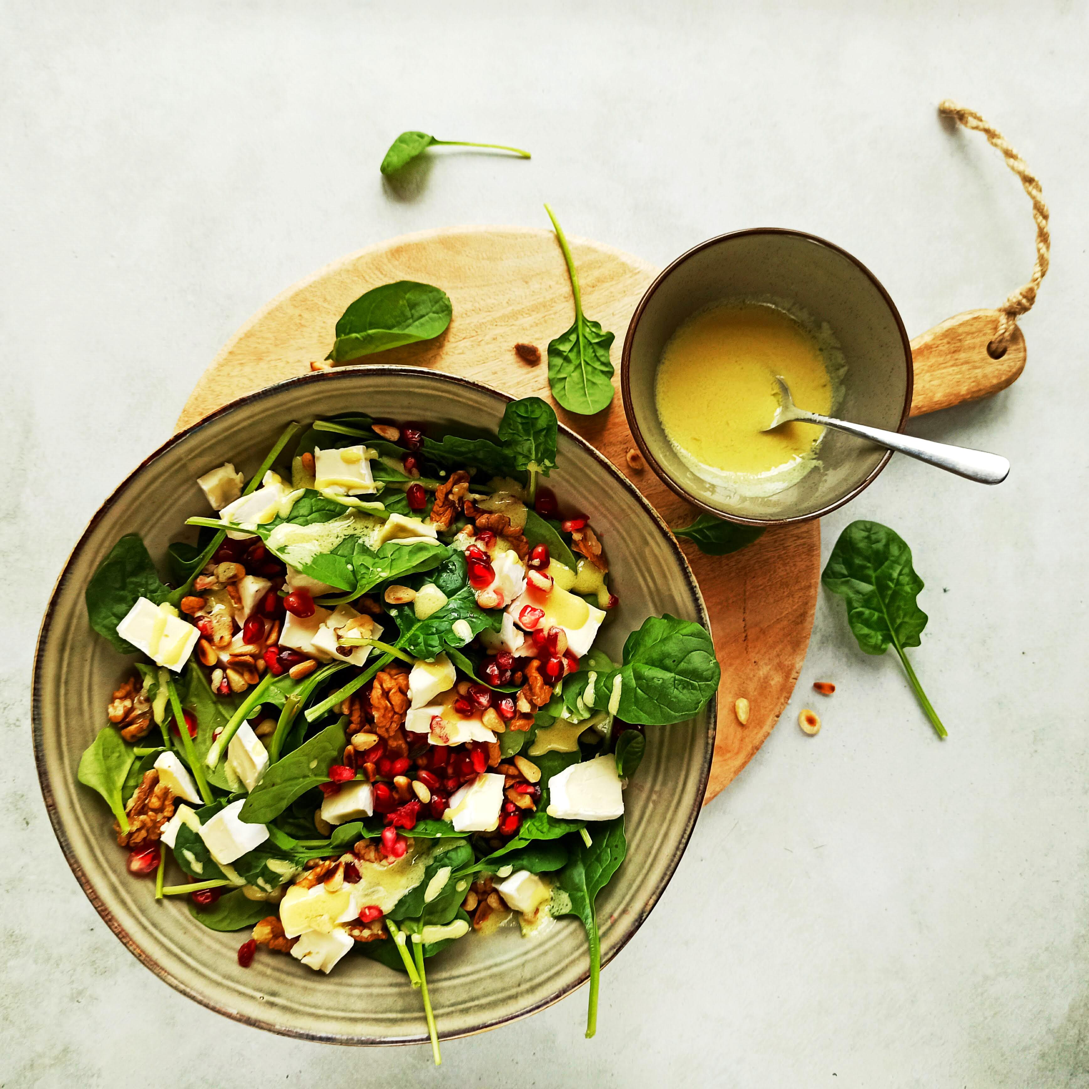 Spinaziesalade met brie en walnoten salade recept gezonde granaatappel salade buufenbuuf