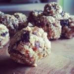Healthy & easy cookie dough balls!