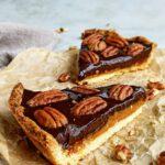 Pecannoten-karameltaart met chocolade